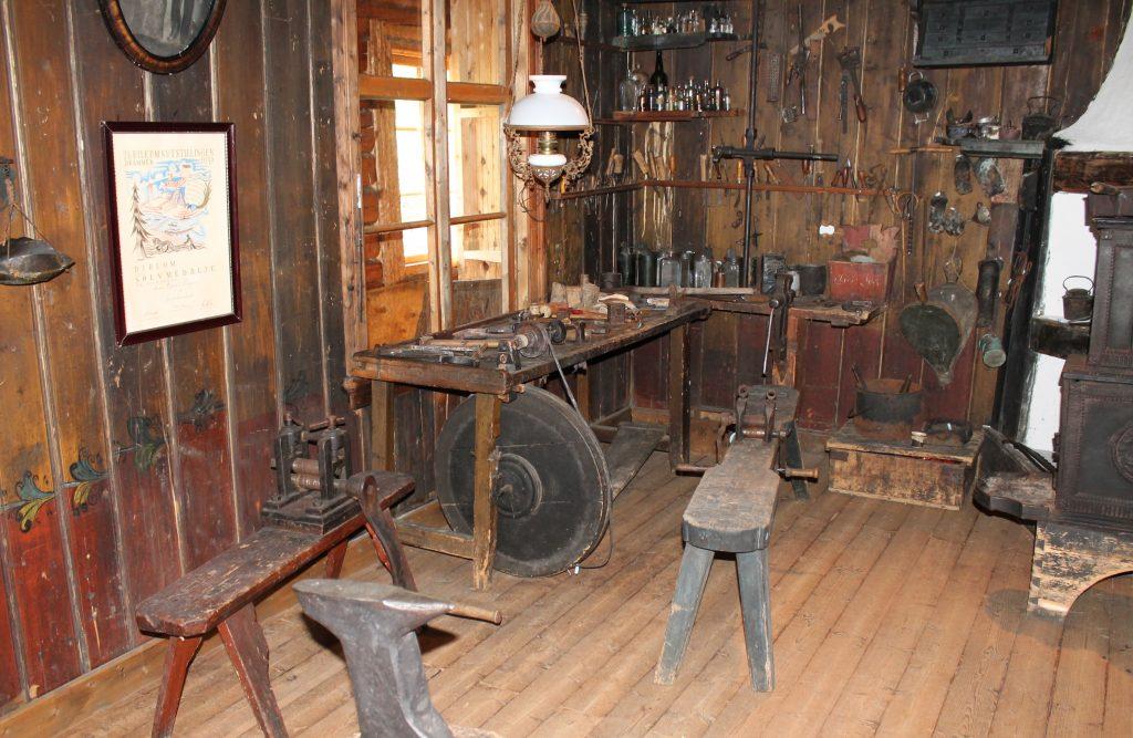 Sølvsmia til Morten Espeset på Hallingdal museum, Nesbyen. Foto: Leif Olav Klype